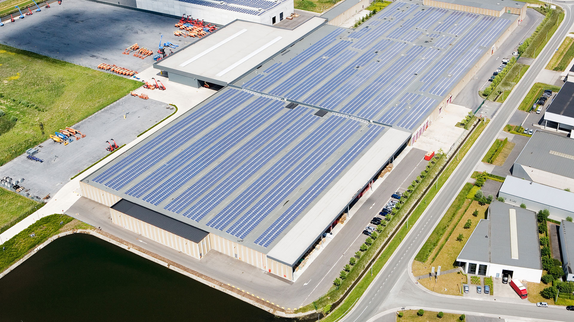 Commercial and industrial solar power plants